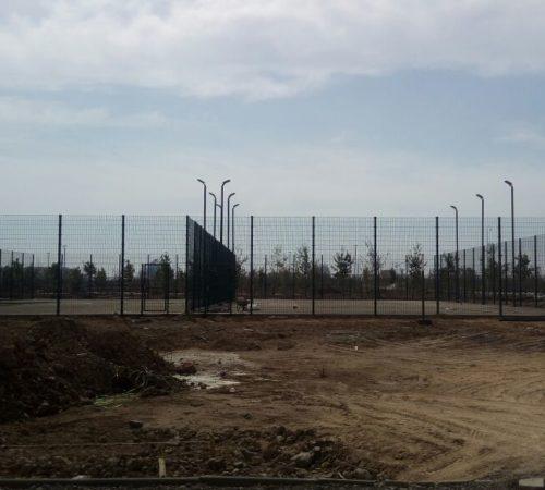 Ограждение сдвоенной теннисной площадки